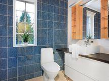 Kylpyhuone 4