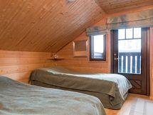 Makuuhuone parvekkeella yläkerta