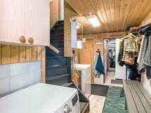 Pyykkihuolto toimii kellaritilassa.