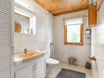 yläkerran kylpyhuone / badrum i övre våningen