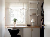 Pienin makuuhuone soveltuu myös walk-in closetiksi.