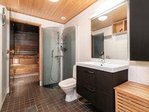 Kylpyhuonetta ja saunaa remontoitu vuonna 2012