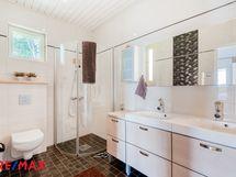 Makuuhuoneen kylpyhuone