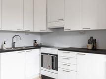 Tyylikäs ja käytännöllinen keittiö