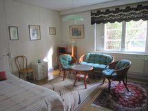 Iso makuuhuone / stora sovrummet