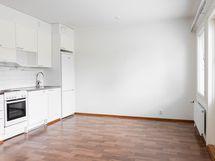 Kuva taloyhtiön vastaavasta asunnosta, tämä asunto on peilikuva