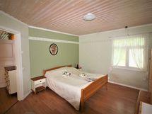 Makuuhuone 1 alakerta