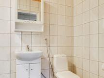 Toinen kylpyhuone