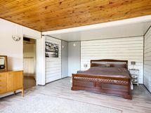 Asunto B: Makuuhuone
