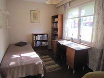 Pieni makuu-/työhuone / lilla sov-/arbetsrummet