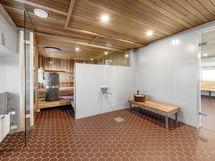 Taloyhtiön saunan pukeutumishuone