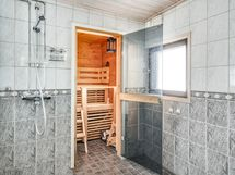 Kylpuhuone ja sauna