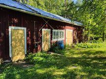Vanha sauna ja muita tiloja