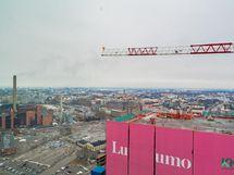 Viereinen torni harjassaan, arvioitu valmistuminen 08/2022.