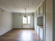 Vanha keittiö on nyt makuuhuone