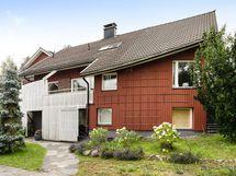 Talon etuparveke ja suojaisa katosalue