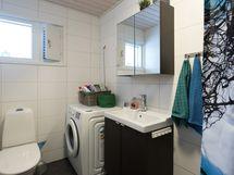 Pesuhuone ja kodinhoitotila