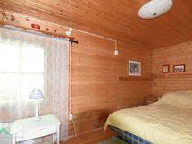Huvilan makuuhuone