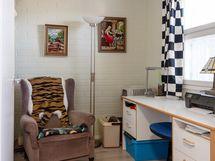 Vaatehuoneesta tehty pikkuhuone