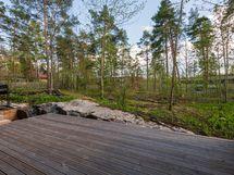 metsäiset näkymät terrasilta