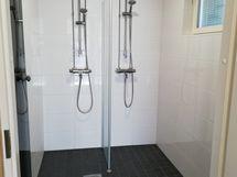 Taloyhtiön saunaosaston suihkutila
