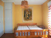 alakerran makuuhuone