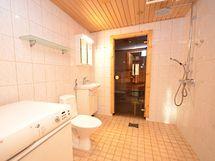 Asunto A: Kylpyhuone ja sauna
