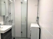 Kylpyhuone, uusittu linjasaneerauksen yhteydessä
