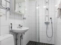 Kylpyhuone on päivitetty jo nykypäivään