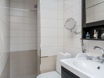 Yläkerran kylpyhuoneosasto