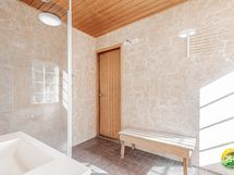 Pesuhuone on remontoitu v. 2015.