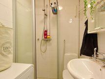 2013 uusittu kylpyhuone