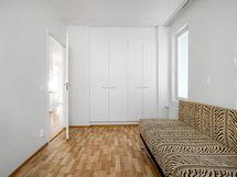 Sama makuuhuone ilman stailausta