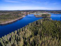 puhdas ja kirkas järvi