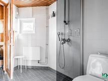Kylpyhuone-sauna