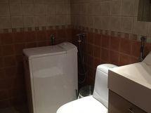 Yläkerran pesutilat/wc