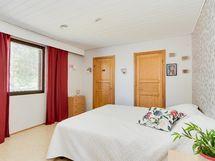 Makuuhuone 4 (päämakuuhuone)