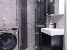 Kph - Sisäänkääntyvät suihkuseinät
