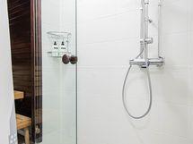 Sauna ja suihkutila omassa rauhassa