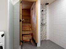 Kylpyhuone ja sauna uusittu 2017