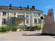 Oulunkylän juna-asemalle lyhyt kävelymatka.