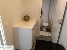 Kotiin rakennettiin toinen , uusi wc