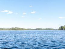 Siikajärveä, noin 2 km leveä, hyvin kalaisa