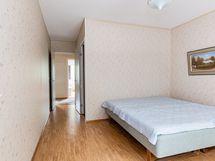 Makuuhuone 1 ja vaatehuone