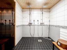 Taloyhtiön remontoitu sauna