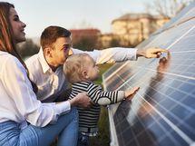 Uusiutuvat energian ratkaisut: aurinkopaneelit ja maalämpö