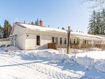 Huoneisto on talon päätyasunto. Häkkivarastot sijaitsevat huoneiston seinänaapurina.