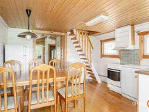 keittiötä + portaat parvelle