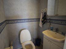 Erill. WC yläkerrassa