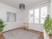 Yläkerran makuu/työhuone tai olohuone